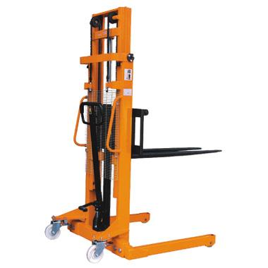 Manual Straddle Stackers