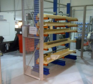 Cantilever racking in mesh cage